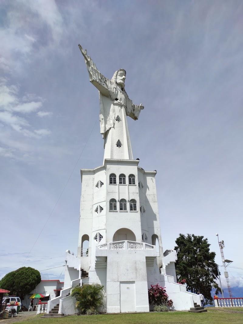 Cristo Rey monument